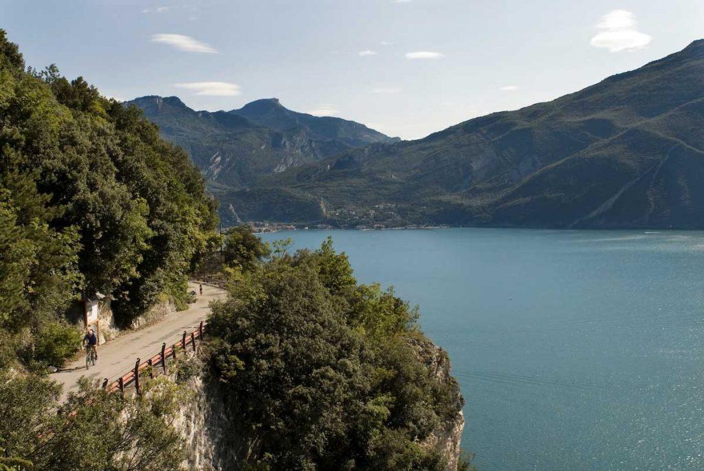 ponalestrStrada del Ponale in e-bikeaße Gardasee