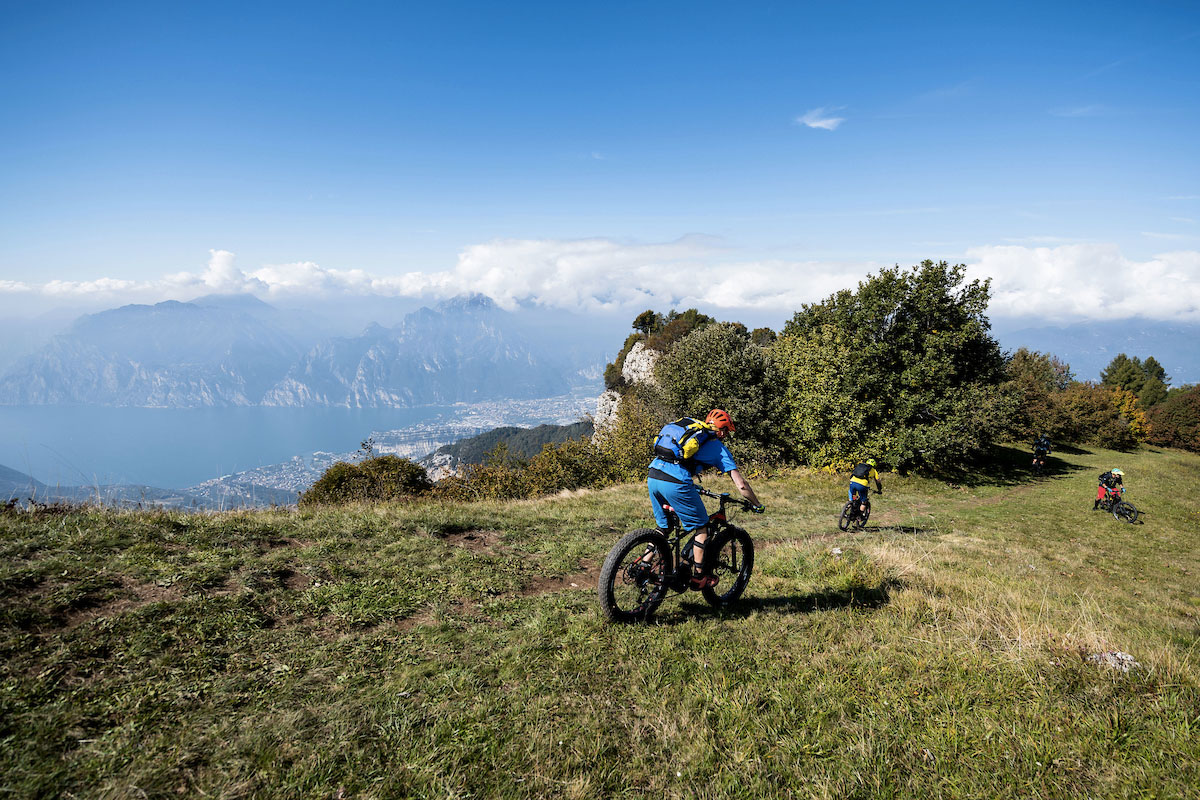 Con l'e-bike sul Lago di Garda