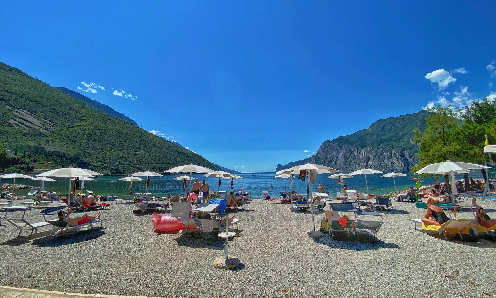spiaggia attrezzata Torbole sul Garda